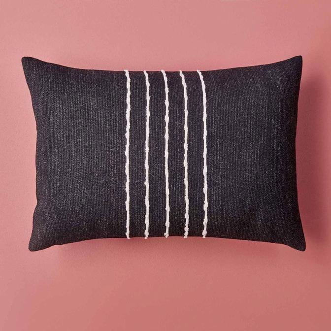 Vitim Kırlent Siyah (35x50 cm)