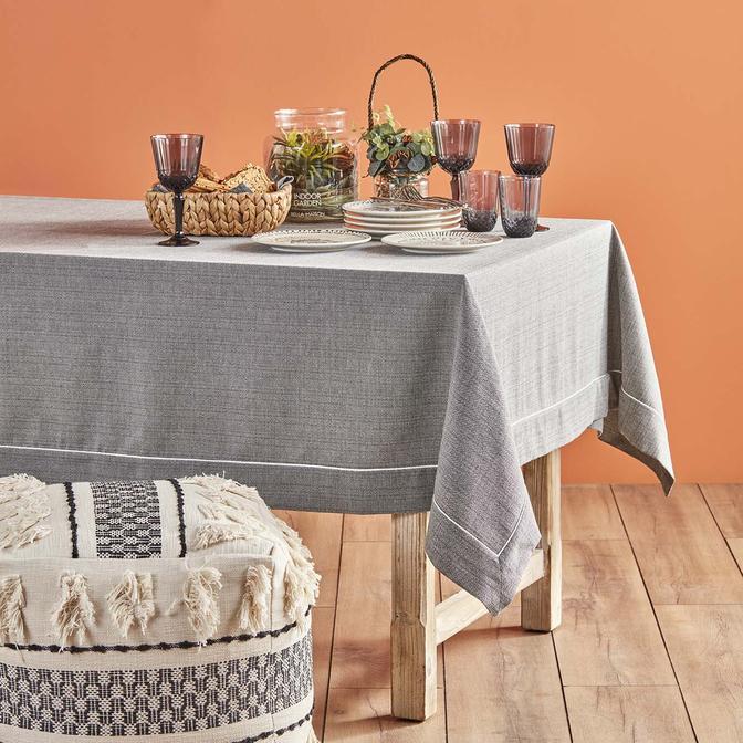 Basic Masa Örtüsü Siyah (160 x 160 cm)