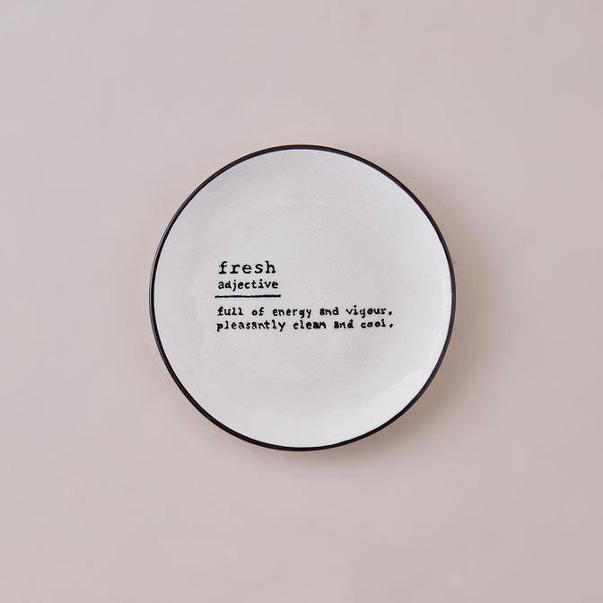 Fresh Word Tatlı Tabağı Siyah (16 cm)